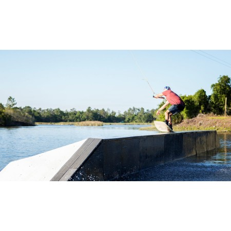 <strong>RONIX</strong> WAKE DESKA KINETIK PROJECT SPRINGBOX 2 <em>2019</em>